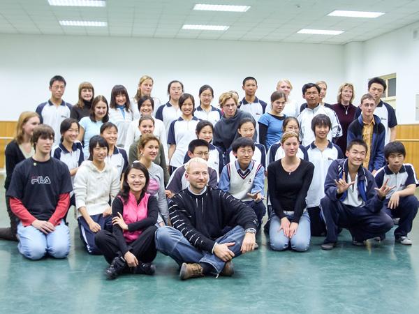 八十中肖燕老师讲授舞蹈选修课《舞蹈与气质》.JPG