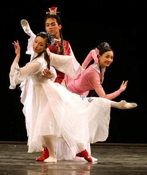 舞剧《青春祭》是山翀舞台生涯的一个转折点.jpg